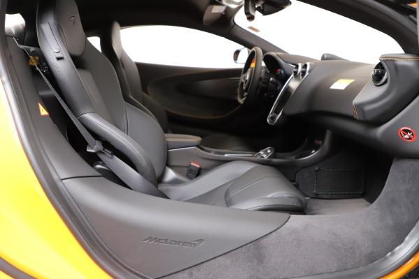 New 2019 McLaren 600LT for sale $279,310 at Bugatti of Greenwich in Greenwich CT 06830 18
