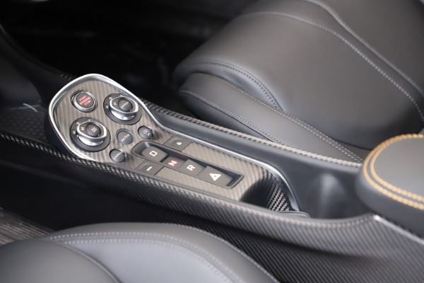 New 2019 McLaren 600LT for sale $279,310 at Bugatti of Greenwich in Greenwich CT 06830 20