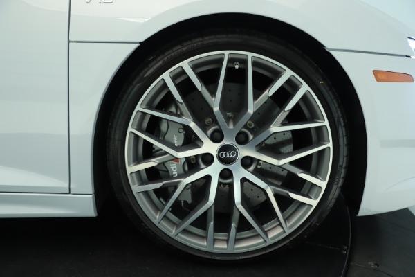 Used 2018 Audi R8 5.2 quattro V10 Plus for sale Sold at Bugatti of Greenwich in Greenwich CT 06830 13