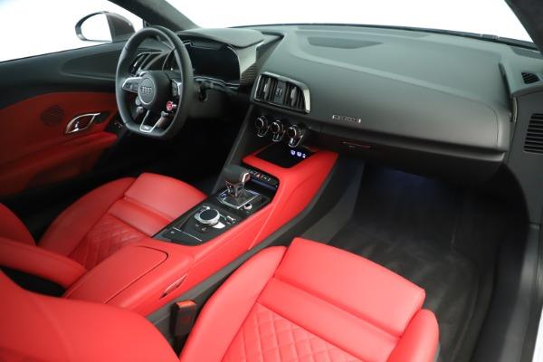 Used 2018 Audi R8 5.2 quattro V10 Plus for sale Sold at Bugatti of Greenwich in Greenwich CT 06830 18