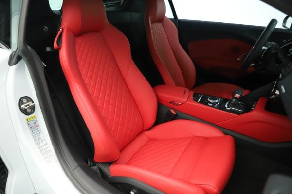 Used 2018 Audi R8 5.2 quattro V10 Plus for sale Sold at Bugatti of Greenwich in Greenwich CT 06830 20