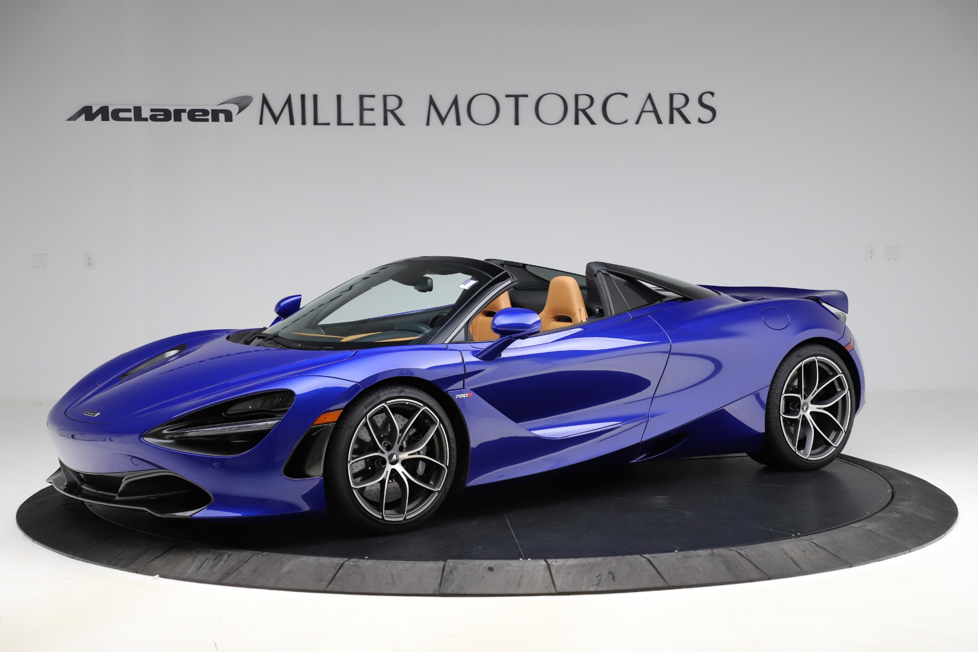New 2020 McLaren 720S SPIDER Convertible for sale $374,830 at Bugatti of Greenwich in Greenwich CT 06830 1