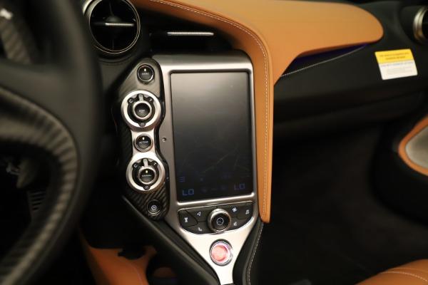 New 2020 McLaren 720S Spider for sale $372,250 at Bugatti of Greenwich in Greenwich CT 06830 11