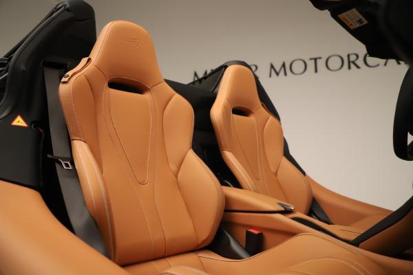 New 2020 McLaren 720S Spider for sale $372,250 at Bugatti of Greenwich in Greenwich CT 06830 13
