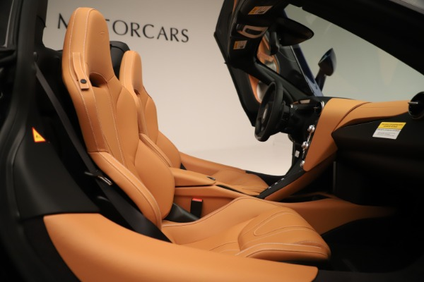 New 2020 McLaren 720S Spider Convertible for sale $372,250 at Bugatti of Greenwich in Greenwich CT 06830 14