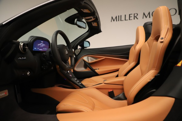 New 2020 McLaren 720S Spider Convertible for sale $372,250 at Bugatti of Greenwich in Greenwich CT 06830 17