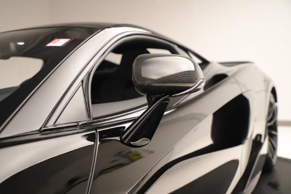 New 2019 McLaren 600LT Coupe for sale $278,790 at Bugatti of Greenwich in Greenwich CT 06830 16