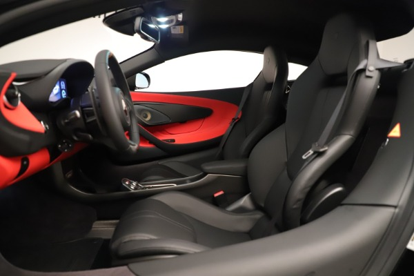 New 2019 McLaren 600LT Coupe for sale $278,790 at Bugatti of Greenwich in Greenwich CT 06830 21
