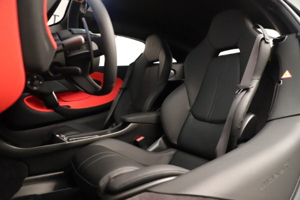 New 2019 McLaren 600LT Coupe for sale $278,790 at Bugatti of Greenwich in Greenwich CT 06830 22