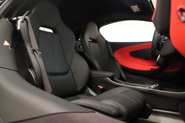 Used 2019 McLaren 600LT Luxury for sale Call for price at Bugatti of Greenwich in Greenwich CT 06830 25