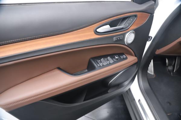 New 2019 Alfa Romeo Stelvio Ti Lusso Q4 for sale Sold at Bugatti of Greenwich in Greenwich CT 06830 17