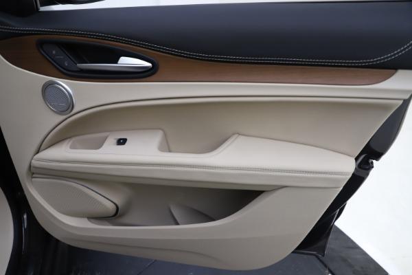 New 2019 Alfa Romeo Stelvio Ti Lusso Q4 for sale $54,790 at Bugatti of Greenwich in Greenwich CT 06830 26
