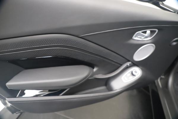 New 2020 Aston Martin Vantage Coupe for sale $193,154 at Bugatti of Greenwich in Greenwich CT 06830 16