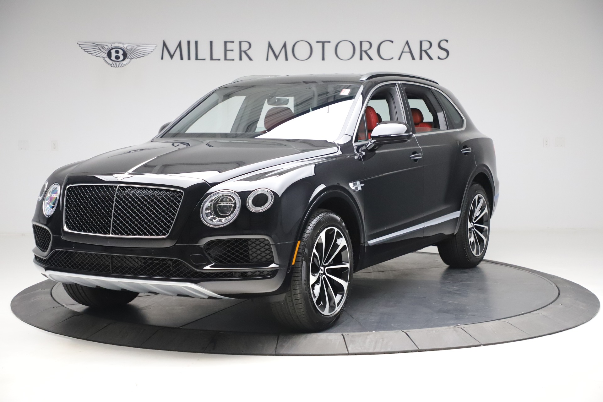New 2020 Bentley Bentayga V8 for sale $181,250 at Bugatti of Greenwich in Greenwich CT 06830 1