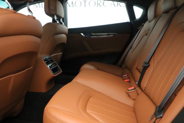 Used 2014 Maserati Quattroporte S Q4 for sale Sold at Bugatti of Greenwich in Greenwich CT 06830 17