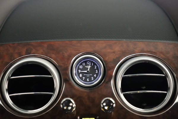 Used 2015 Bentley Flying Spur V8 for sale Sold at Bugatti of Greenwich in Greenwich CT 06830 27