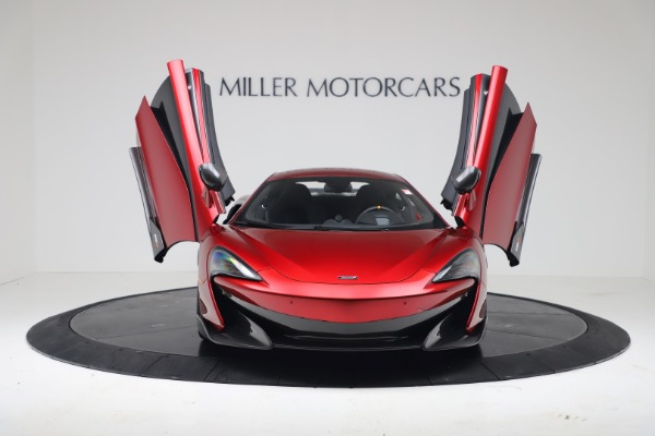 New 2019 McLaren 600LT for sale $285,236 at Bugatti of Greenwich in Greenwich CT 06830 11