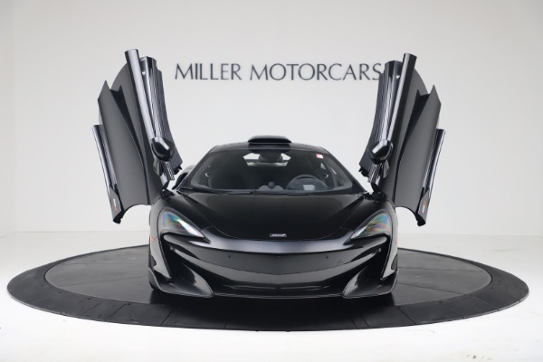 New 2019 McLaren 600LT Coupe for sale $305,639 at Bugatti of Greenwich in Greenwich CT 06830 11