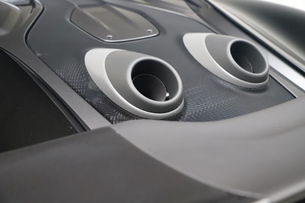 New 2019 McLaren 600LT for sale $305,639 at Bugatti of Greenwich in Greenwich CT 06830 23