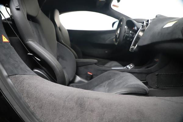 New 2019 McLaren 600LT for sale $305,639 at Bugatti of Greenwich in Greenwich CT 06830 25