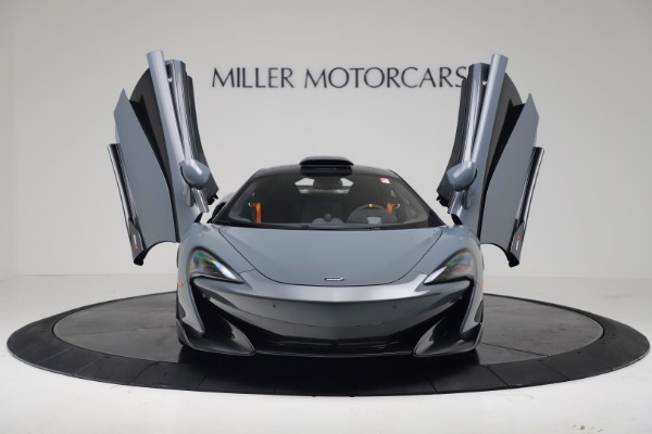 New 2019 McLaren 600LT Coupe for sale $311,619 at Bugatti of Greenwich in Greenwich CT 06830 11
