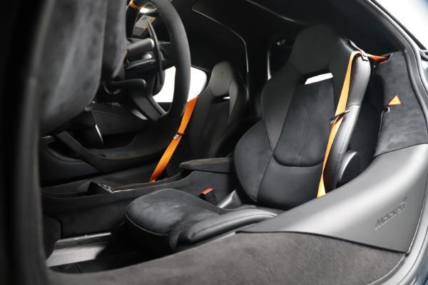 New 2019 McLaren 600LT for sale $311,619 at Bugatti of Greenwich in Greenwich CT 06830 20