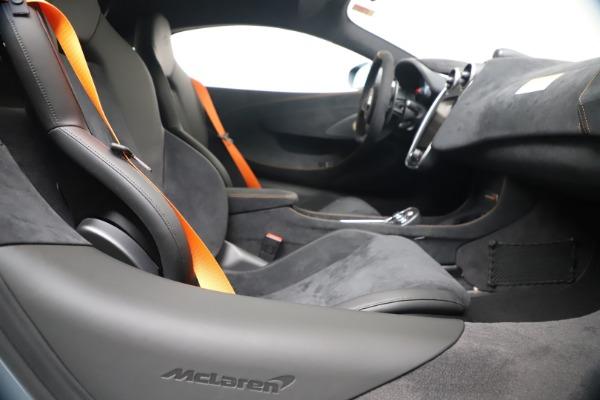 New 2019 McLaren 600LT for sale $311,619 at Bugatti of Greenwich in Greenwich CT 06830 23
