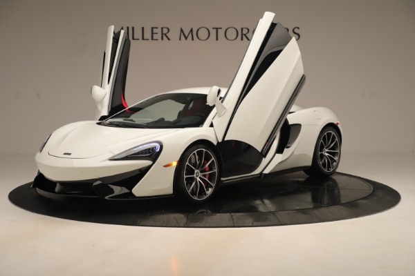 New 2020 McLaren 570S Coupe for sale $215,600 at Bugatti of Greenwich in Greenwich CT 06830 13