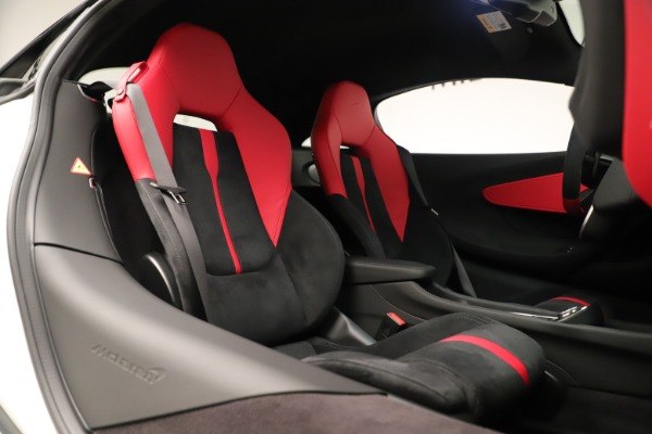 New 2020 McLaren 570S for sale $215,600 at Bugatti of Greenwich in Greenwich CT 06830 21