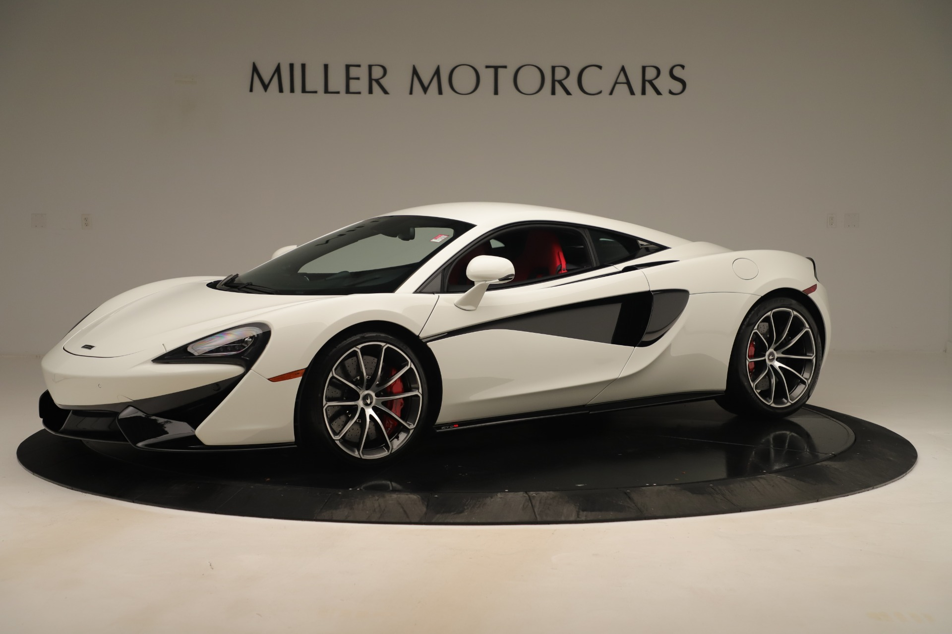 New 2020 McLaren 570S Coupe for sale $215,600 at Bugatti of Greenwich in Greenwich CT 06830 1