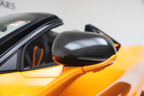 New 2020 McLaren 720S Spider Performance for sale $374,440 at Bugatti of Greenwich in Greenwich CT 06830 22
