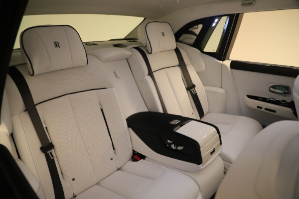 New 2020 Rolls-Royce Phantom for sale $545,200 at Bugatti of Greenwich in Greenwich CT 06830 14