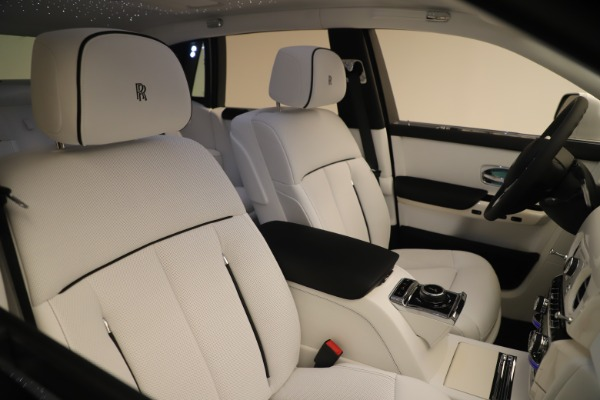 New 2020 Rolls-Royce Phantom for sale $545,200 at Bugatti of Greenwich in Greenwich CT 06830 28