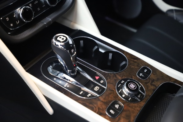 Used 2018 Bentley Bentayga Mulliner Edition for sale Sold at Bugatti of Greenwich in Greenwich CT 06830 20