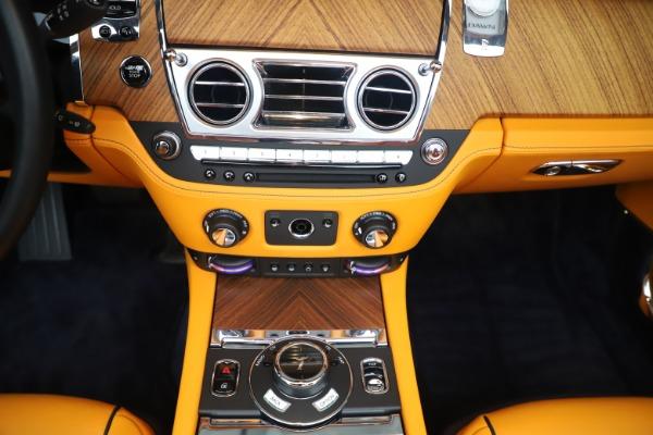 Used 2017 Rolls-Royce Dawn for sale $249,900 at Bugatti of Greenwich in Greenwich CT 06830 28