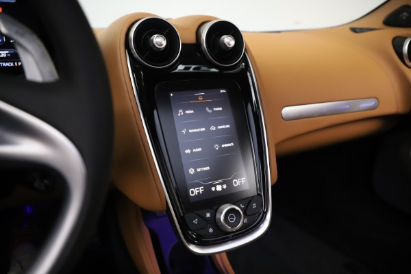 New 2020 McLaren GT Luxe for sale Sold at Bugatti of Greenwich in Greenwich CT 06830 28