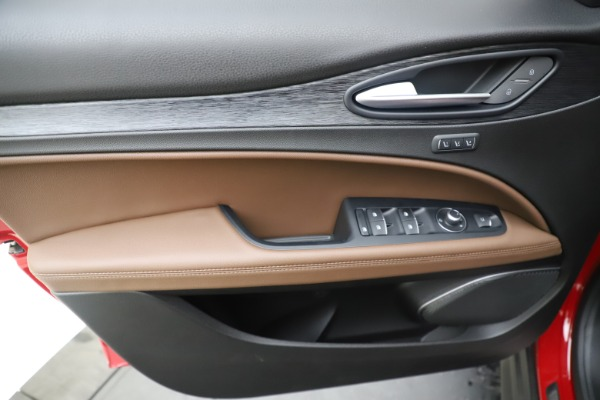 New 2019 Alfa Romeo Stelvio Q4 for sale Sold at Bugatti of Greenwich in Greenwich CT 06830 17