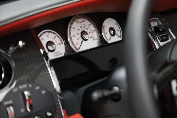 New 2020 Rolls-Royce Dawn Black Badge for sale $477,975 at Bugatti of Greenwich in Greenwich CT 06830 27