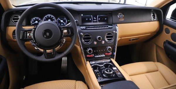 New 2020 Rolls-Royce Cullinan for sale $348,975 at Bugatti of Greenwich in Greenwich CT 06830 17