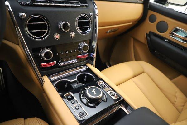 New 2020 Rolls-Royce Cullinan for sale $348,975 at Bugatti of Greenwich in Greenwich CT 06830 18