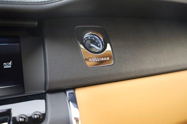 New 2020 Rolls-Royce Cullinan for sale $348,975 at Bugatti of Greenwich in Greenwich CT 06830 20