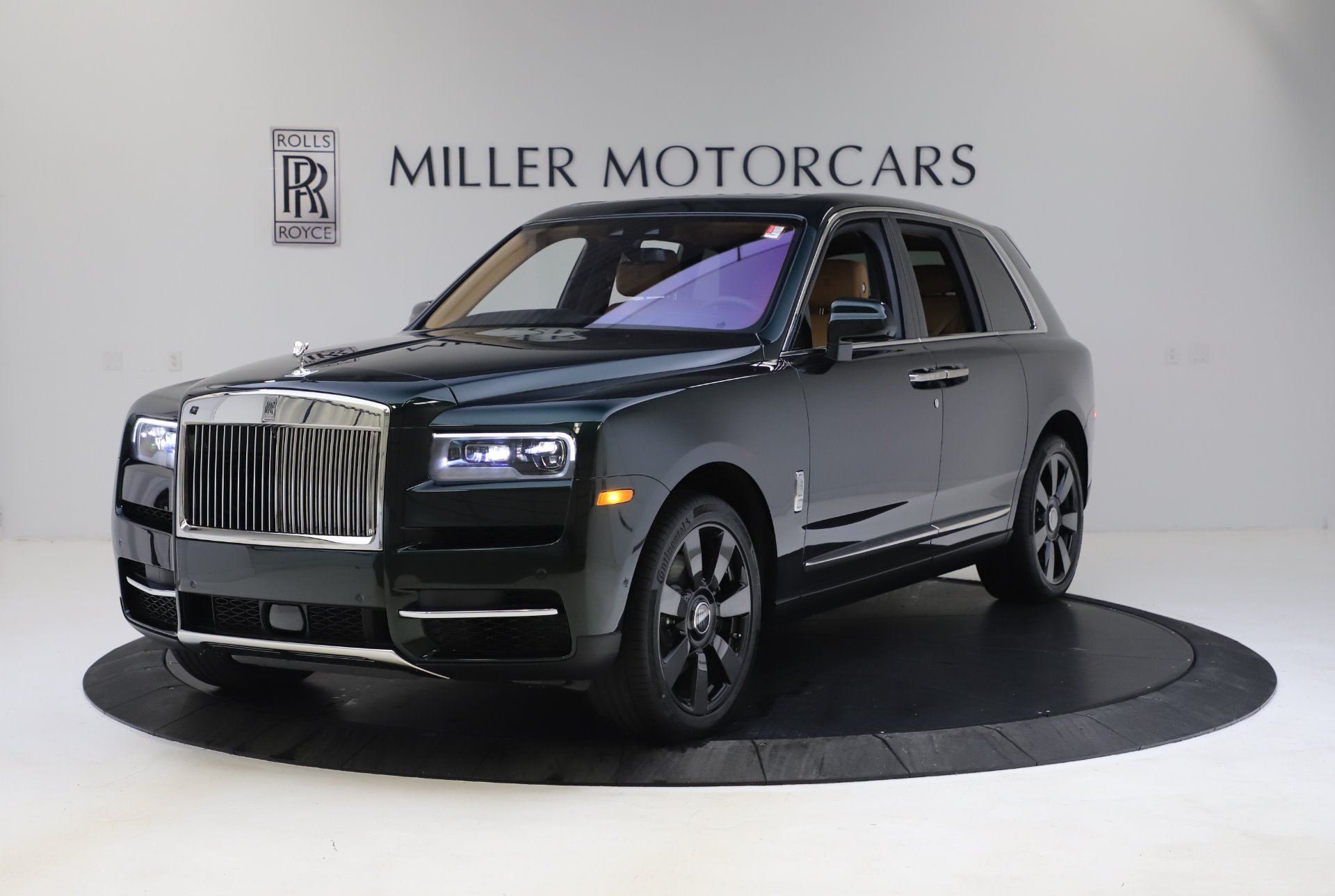 New 2020 Rolls-Royce Cullinan for sale $348,975 at Bugatti of Greenwich in Greenwich CT 06830 1