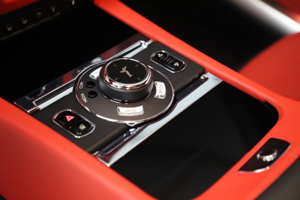 New 2020 Rolls-Royce Wraith for sale $392,325 at Bugatti of Greenwich in Greenwich CT 06830 20