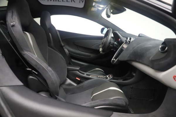 Used 2017 McLaren 570GT Coupe for sale $142,900 at Bugatti of Greenwich in Greenwich CT 06830 20