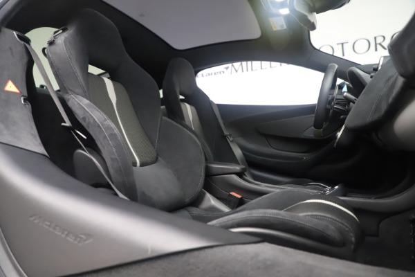 Used 2017 McLaren 570GT Coupe for sale $142,900 at Bugatti of Greenwich in Greenwich CT 06830 21