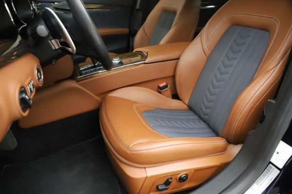 Used 2017 Maserati Quattroporte S Q4 GranLusso for sale Sold at Bugatti of Greenwich in Greenwich CT 06830 15