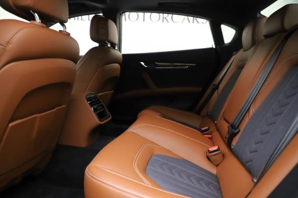 Used 2017 Maserati Quattroporte S Q4 GranLusso for sale Sold at Bugatti of Greenwich in Greenwich CT 06830 19