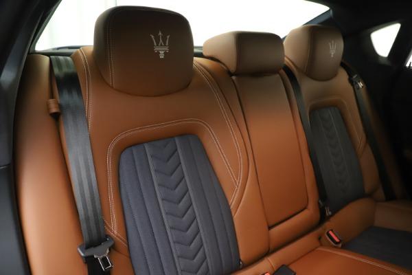 Used 2017 Maserati Quattroporte S Q4 GranLusso for sale Sold at Bugatti of Greenwich in Greenwich CT 06830 26