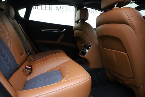 Used 2017 Maserati Quattroporte S Q4 GranLusso for sale Sold at Bugatti of Greenwich in Greenwich CT 06830 27