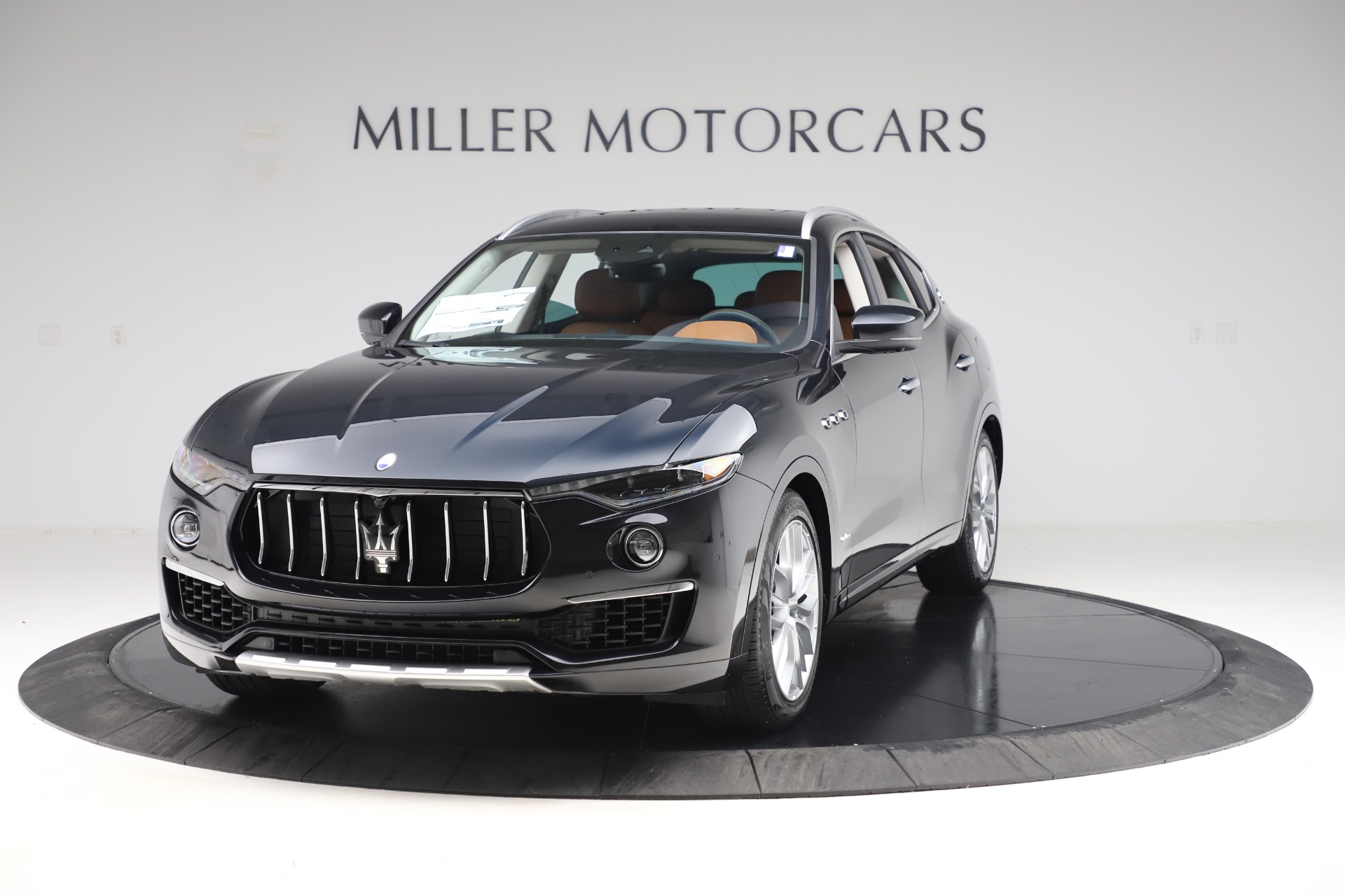 New 2019 Maserati Levante Q4 GranLusso for sale $89,550 at Bugatti of Greenwich in Greenwich CT 06830 1